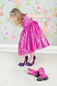 Girls Play Dress Up