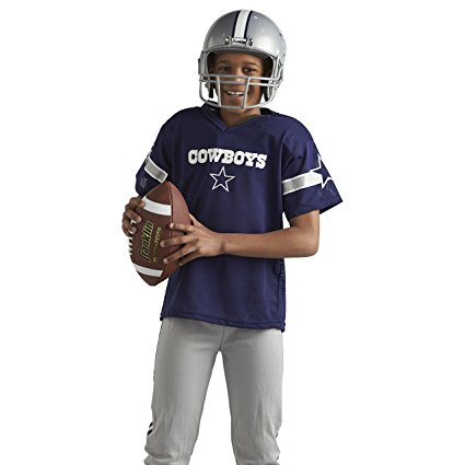 When I grow up, I want to be... a football player! www.kidslovedressup.com