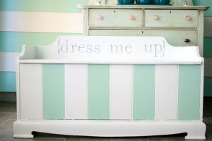 DIY Dress Up Bench - Dress Up Storage Solutions DIY Ideas at www.kidslovedressup.com