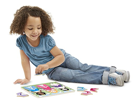 Playing Princess Dress Up Puzzles - www.kidslovedressup.com