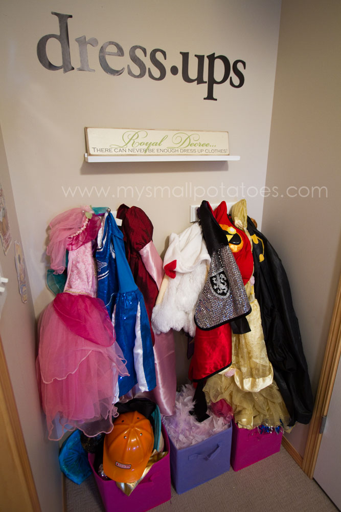 Dress Up Storage Ideas at www.kidslovedressup.com