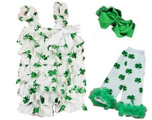 Dress up your baby in Shamrock and Green for her 1st St. Patrick's Day celebration. Super cute, no?
