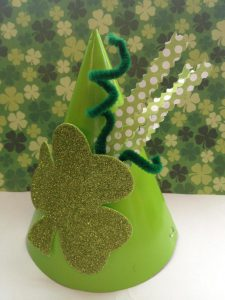 Leprechaun Party Hats! Easy DIY St. Patrick's Day costume ideas for kids
